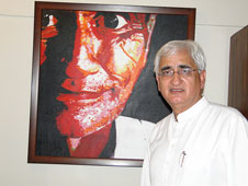 Salman Khurshid clarifies his 'controversial' views on Sachar Report