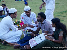 Roses to a non-Muslim couple enjoying their evening at Mananchira square ground