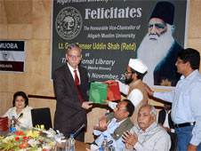 On behalf of AMU Old Boys Association a Special Souvenir gifted to the Gen Jamir uddin Shah (Retd), Vice Chancellor of Aligarh Muslim University in a felicitation programme at National Library Coneference Hall, on 18th November, 2012