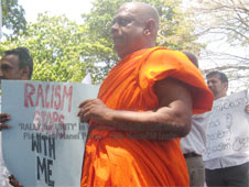 Catholics, Buddhists and Muslims come together