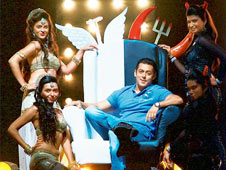 Hyderabad police book Salman Khan for insulting religion during 'Bigg Boss 7'