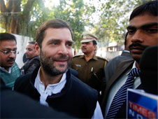 Rahul gets Syrian Christian lunch in Kerala